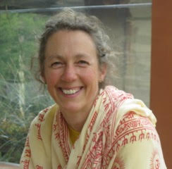 Barbara Carr – Yoga Teacher & Harp Therapist